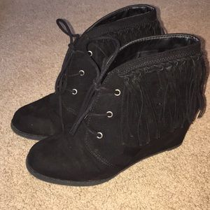 Sugar Ankle Boot Wedges With Fringe Size 8
